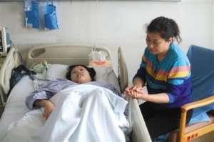妹妹割肝救姐姐 疑乱食中药导致肝衰竭(组图)