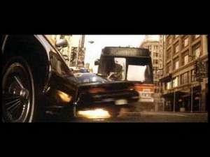 """盗车贼靠""""神技""""30秒完成偷车 在场技师不知作何反应几乎傻眼"""