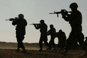北约部队实弹训练 多国军人将共同构成驻立陶宛营