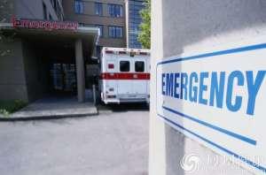"""救护车送重伤老人半路将其抬下 理由是""""已死亡"""""""