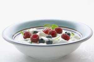 网曝老酸奶使用工业明胶 厂商回应符合国家标准