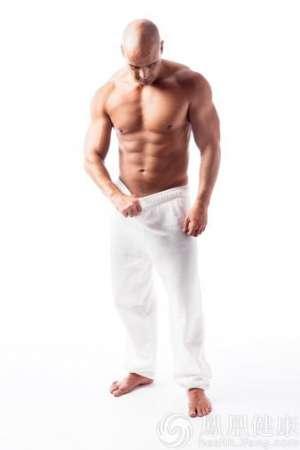 湖南30岁男子患睾丸结核 一度靠呼吸机维持生命