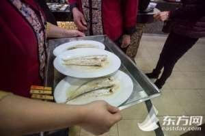 长江将推全面禁捕 上海不少食客抓紧品刀鱼
