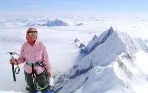 全球首位成功攀登珠穆朗玛峰女性病逝 享年77岁