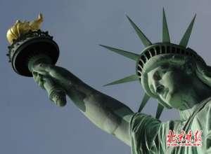 美国自由女神灯灭 不预期断电陷入黑暗熄灭了好几个小时
