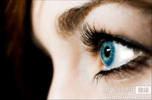 """""""美瞳""""隐形眼镜掉色严重 洋包装美瞳并非""""洋货"""""""