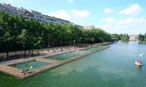 引入运河水 巴黎北部天然泳池向公众免费开放