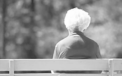 老年人高钙血症如何治疗
