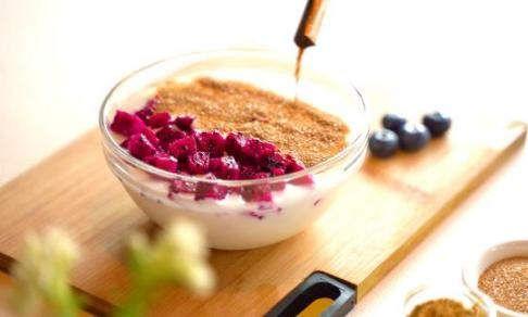 夏季滋补养生食谱:东阿阿胶粉与酸奶的奇妙碰撞!